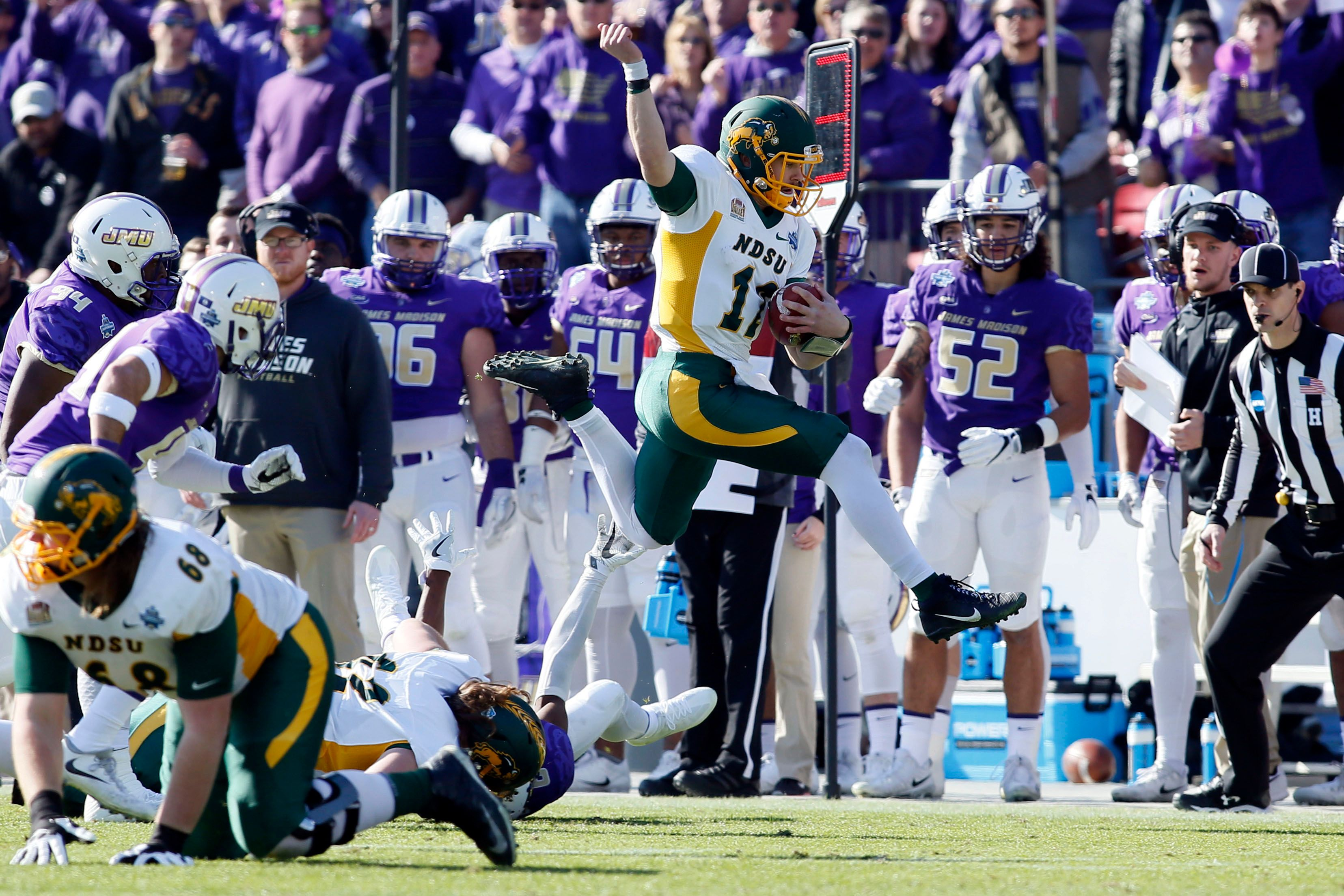 North Dakota State takes back FCS title, defeats James Madison 17-13