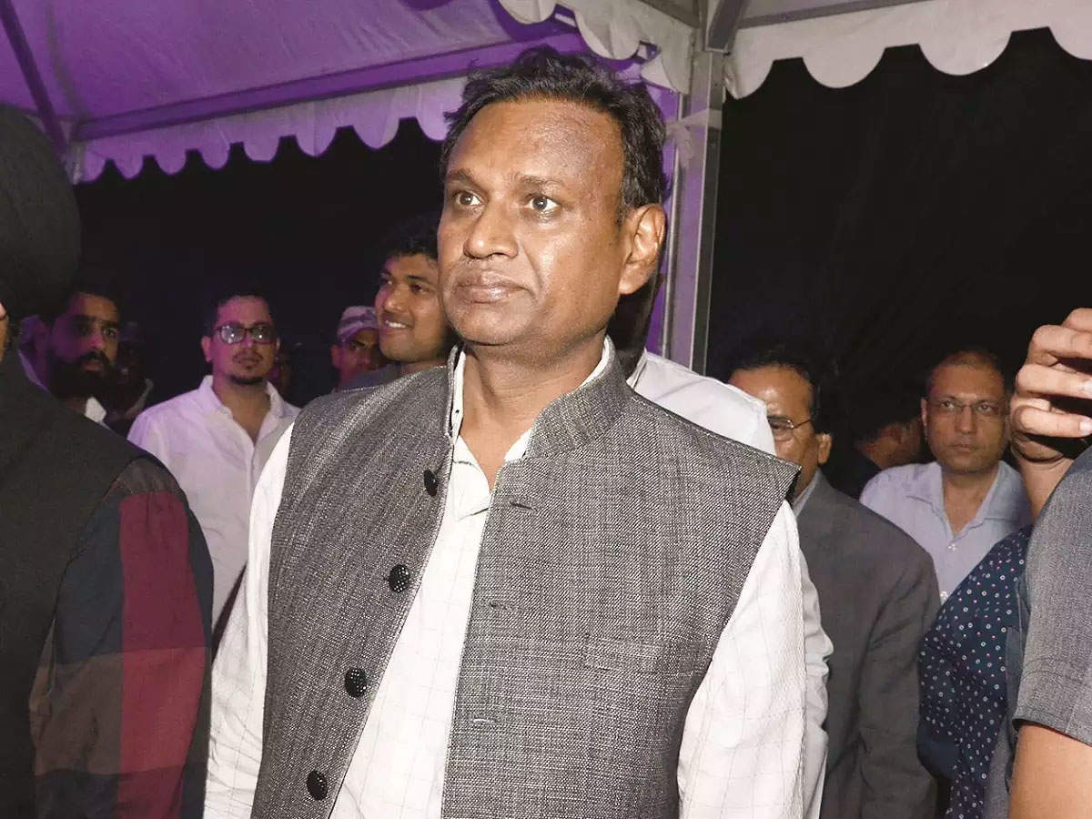Disgruntled MP Udit Raj leaves BJP, joins Congress