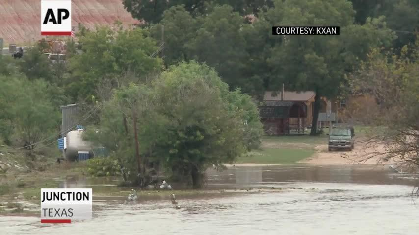 Four missing after flood overruns Texas RV park