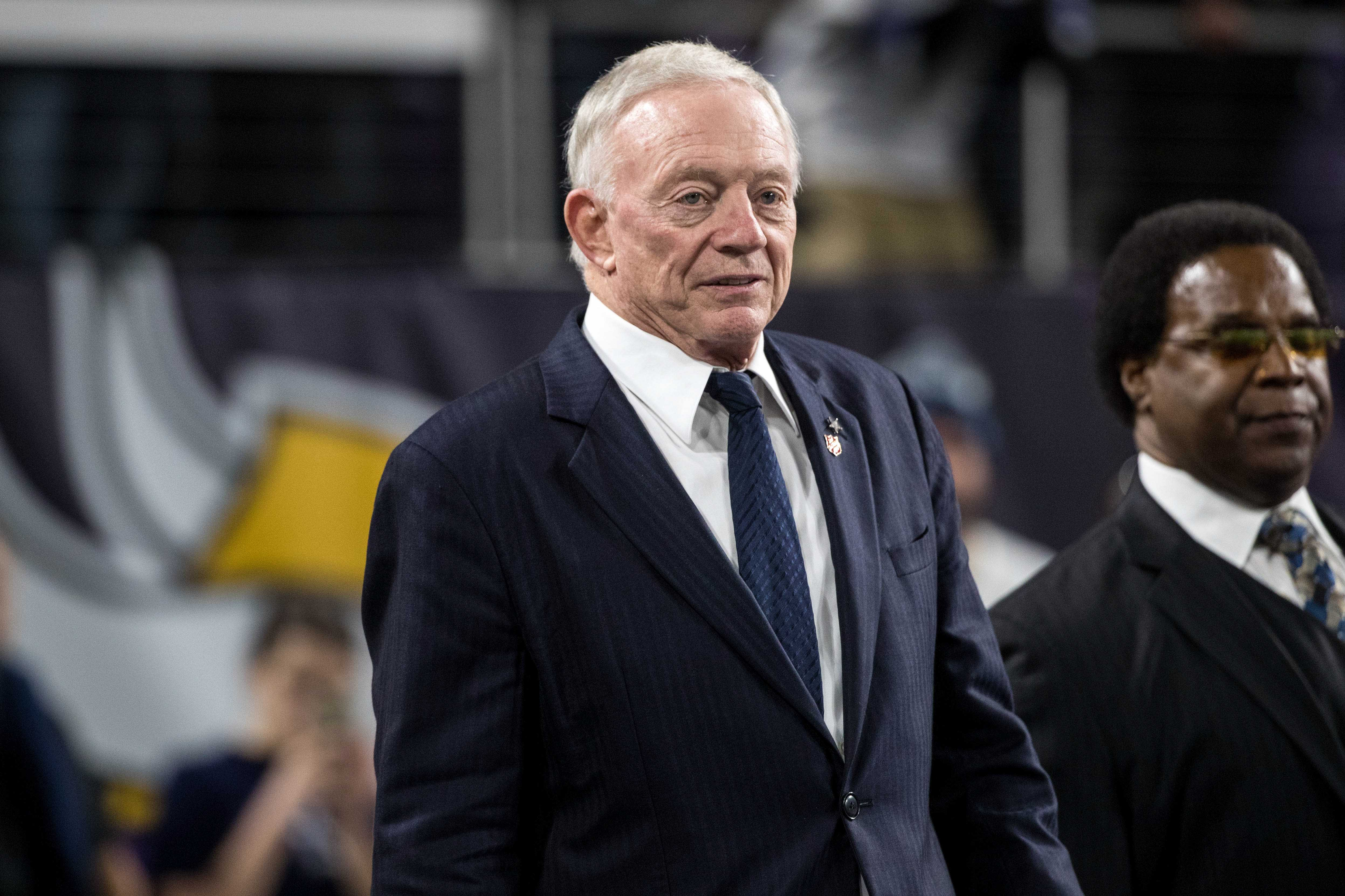 Jerry Jones: Cowboys will require players to stand for anthem, not remain in locker room