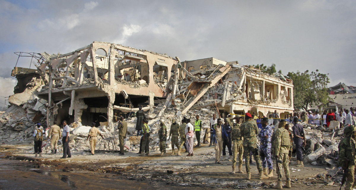 Death toll from blast in Somalia's capital rises to 189, with over 200 injured