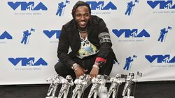 Kendrick Lamar tops MTV VMAs with 6 wins