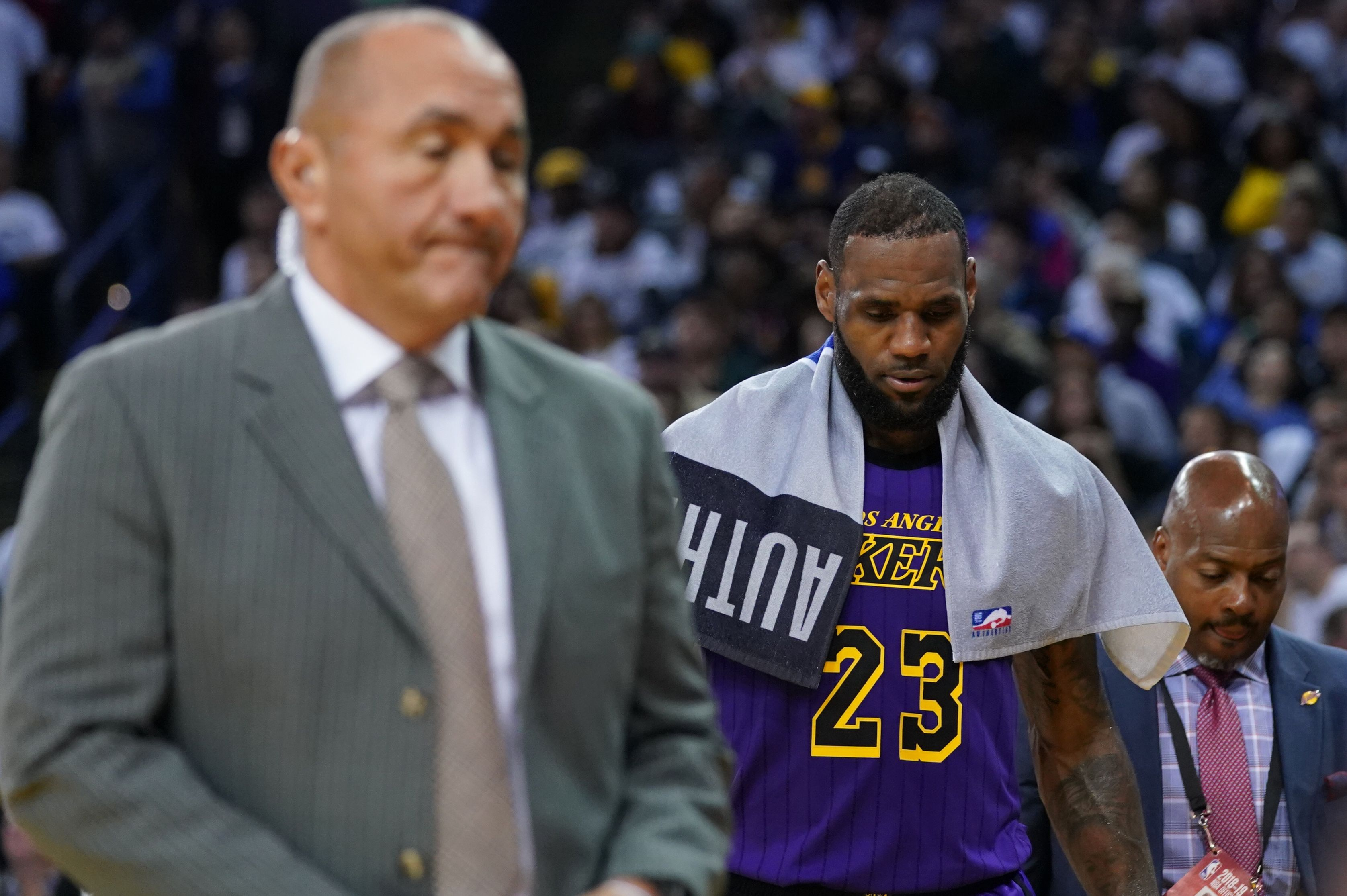 Opinion: Without LeBron James, the Los Angeles Lakers' once-hopeful season is now in danger