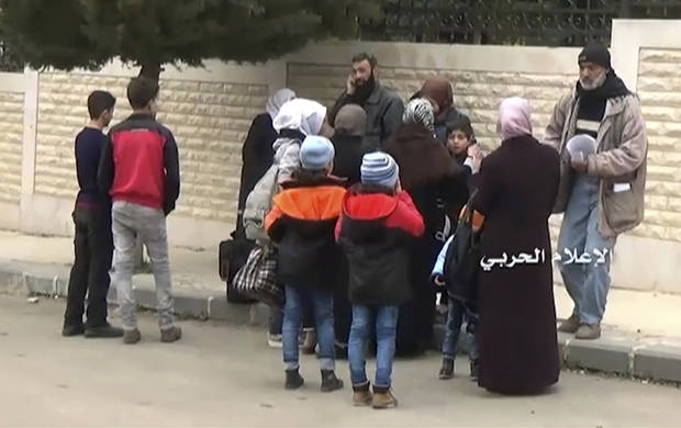 Thousands of evacuated Syrians stuck as transfer stalls