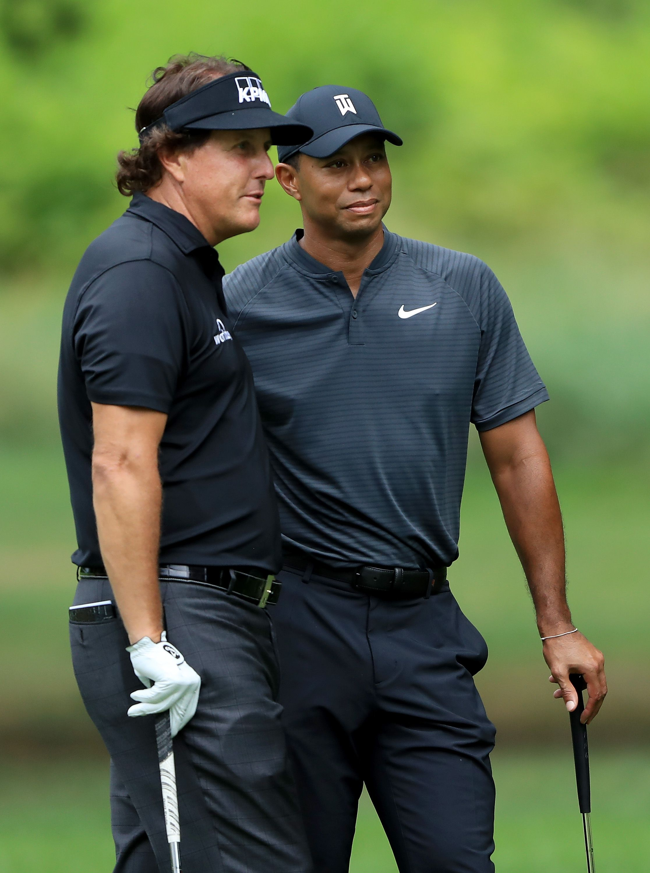 Match between Tiger Woods, Phil Mickelson will take place Thanksgiving weekend