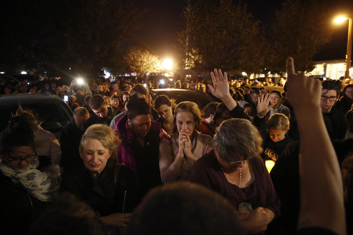 Thousand Oaks mourns in wake of bar massacre