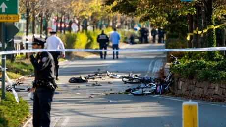 6 dead in NYC after truck slams into people on NYC bike path