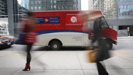 COVID-19 outbreak linked to Canada Post main plant in Calgary, health officials say