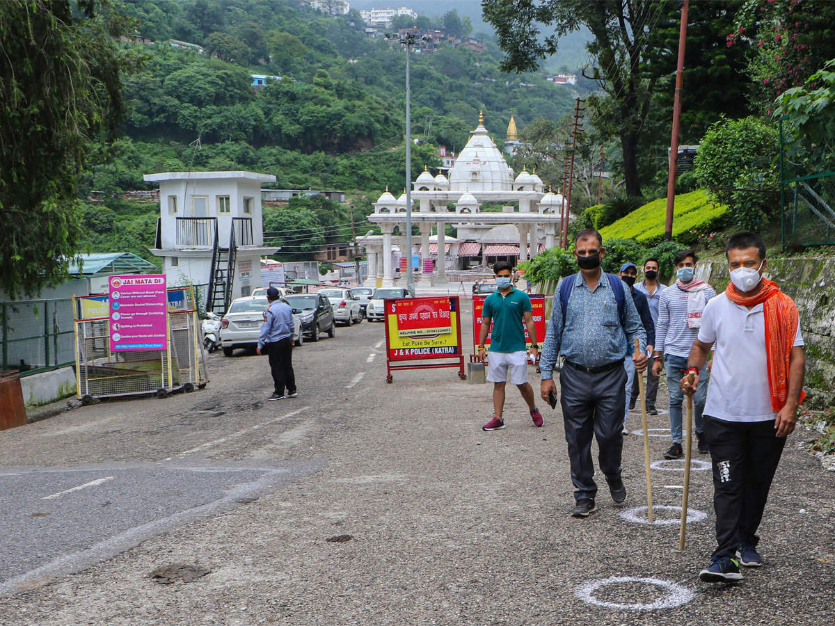 Vaishno Devi yatra's online registration, helicopter booking available from August 26