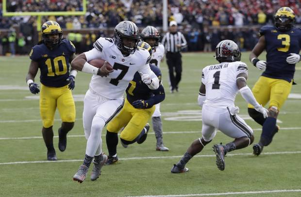 Barrett was hurt before No. 8 Ohio State beat Michigan 31-20