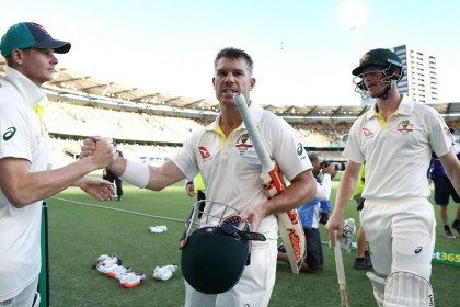 Ashes 1st Test, day four: Australia need 56 runs for Gabba win