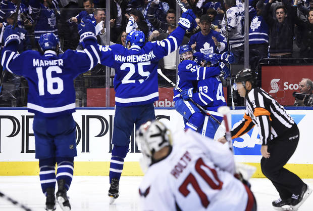 Bozak's OT goal gives Maple Leafs series lead over Capitals