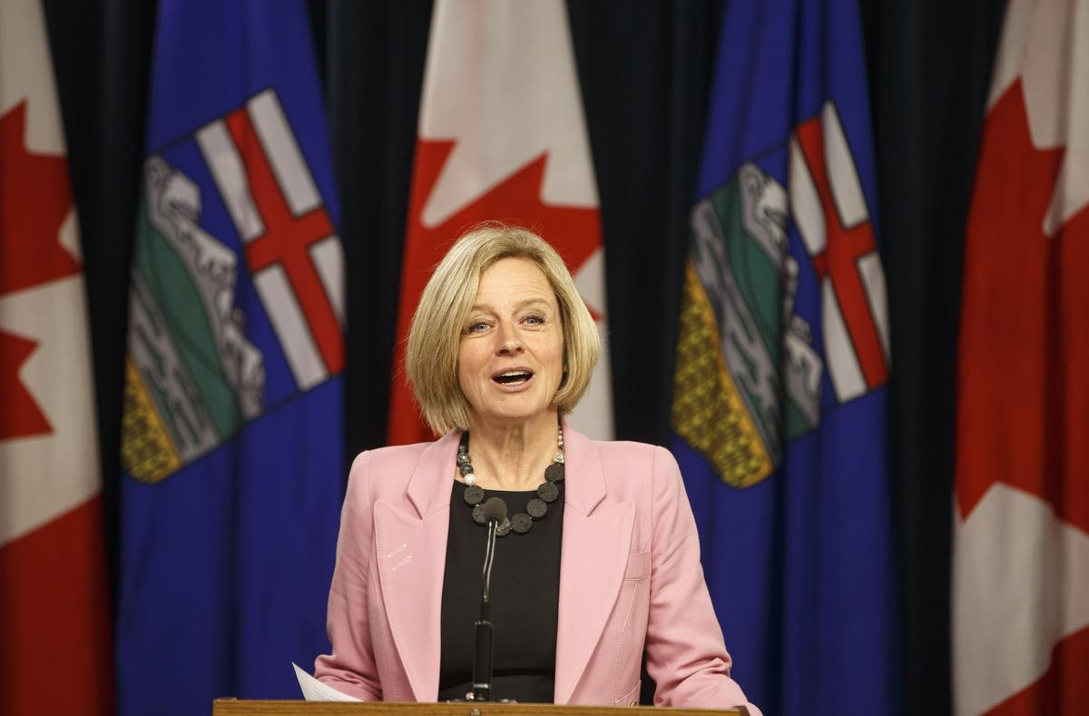 Alberta premier threatens to turn off oil taps in B.C. pipeline dispute