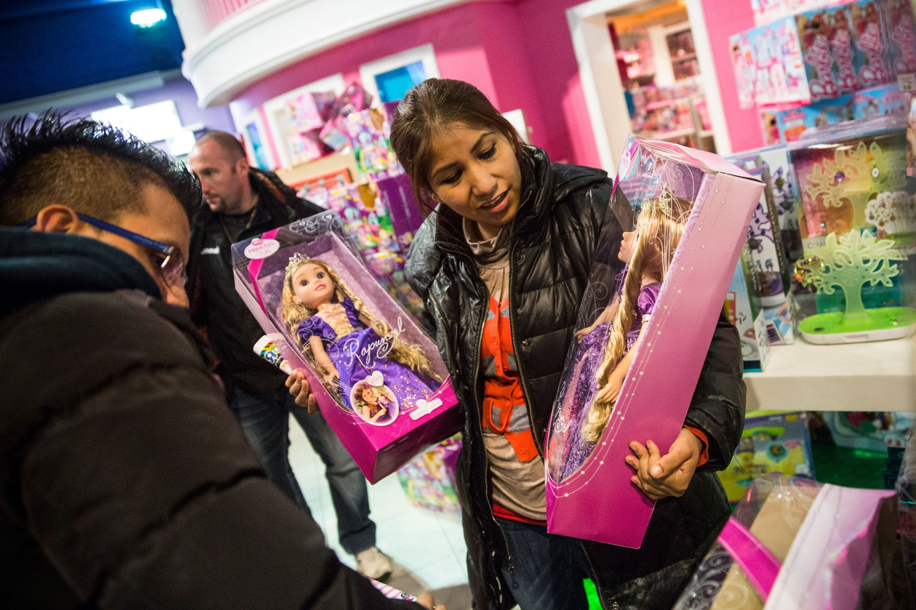 Shoppers rush to Toys R Us stores, say they'll miss the chain
