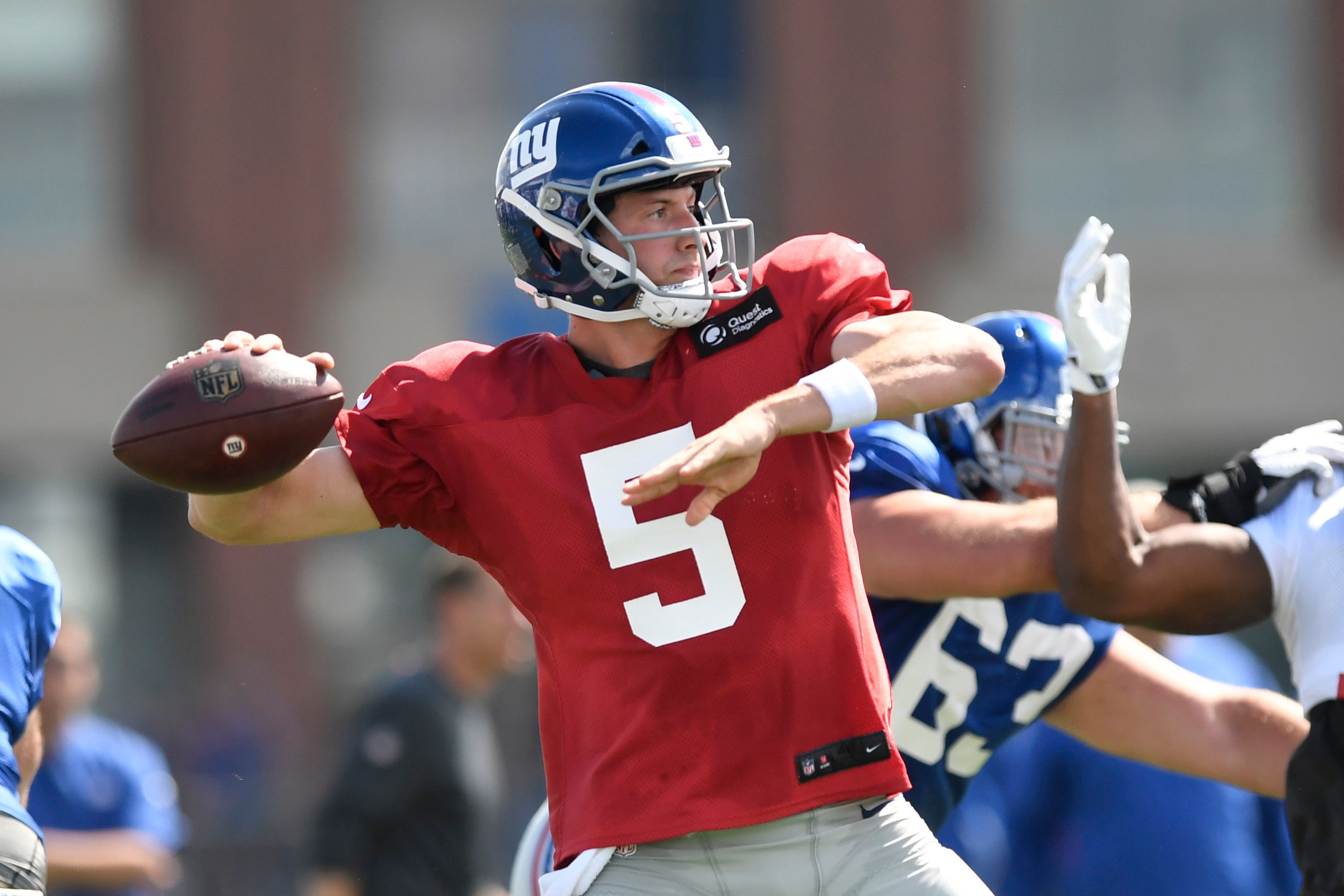 Jets sign former Giants QB Davis Webb to practice squad