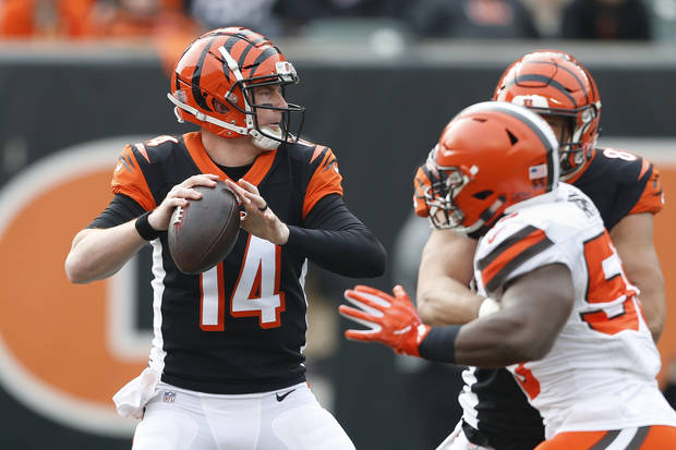 Bengals' Andy Dalton out for season with thumb injury