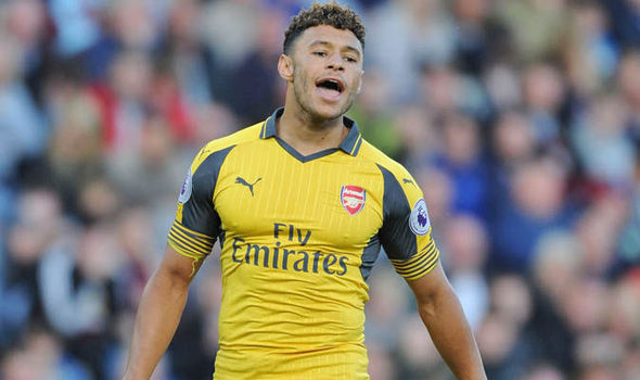 Alex Oxlade-Chamberlain considering Arsenal future: I'm unhappy when I'm not playing