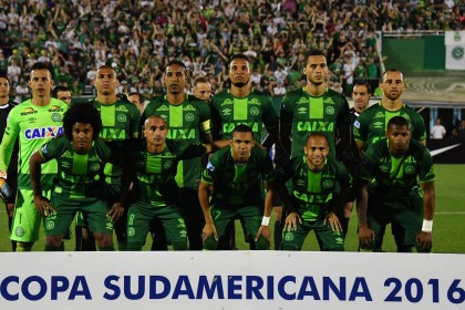 Plane carrying Brazilian football team Chapecoense crashes
