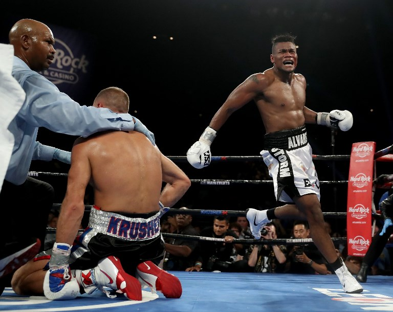 Alvarez stuns Kovalev in 7th to seize WBO light heavyweight title
