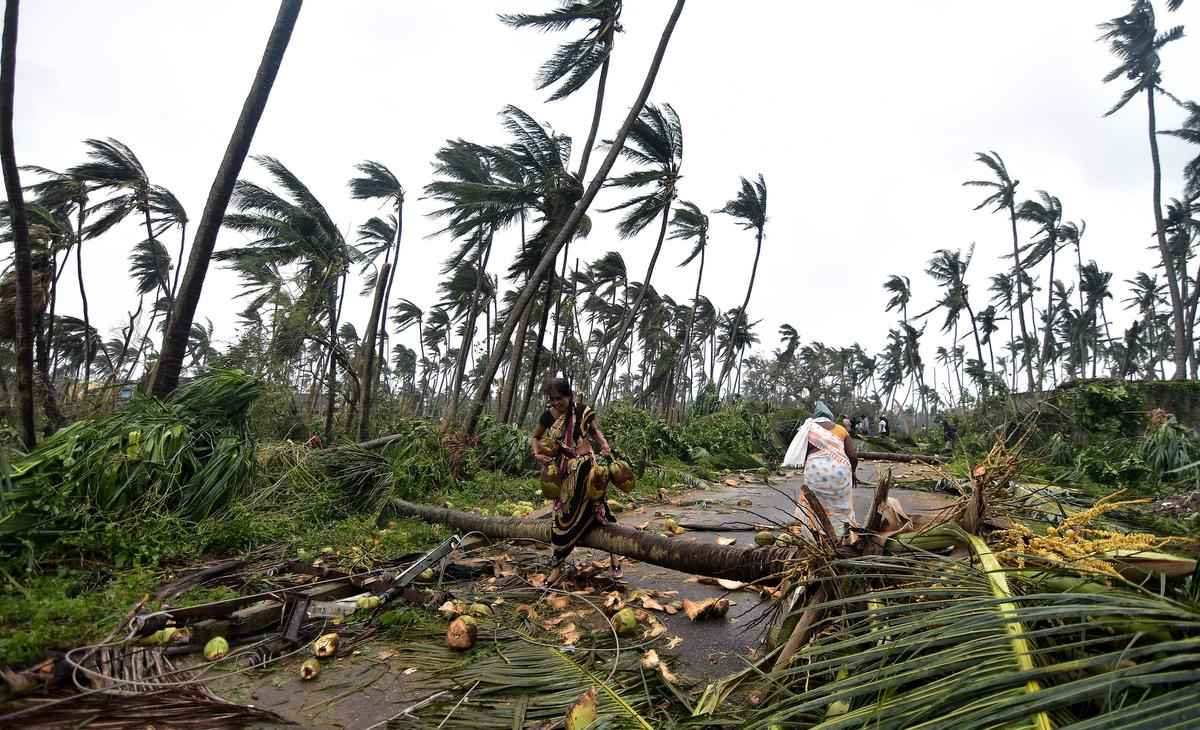 Severe cyclone hits eastern India; 8 killed