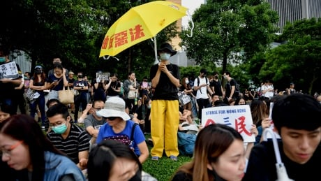 Hong Kong students, workers on strike as commutes disrupted