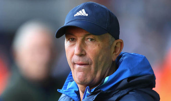 West Brom boss Tony Pulis signs one-year contract extension