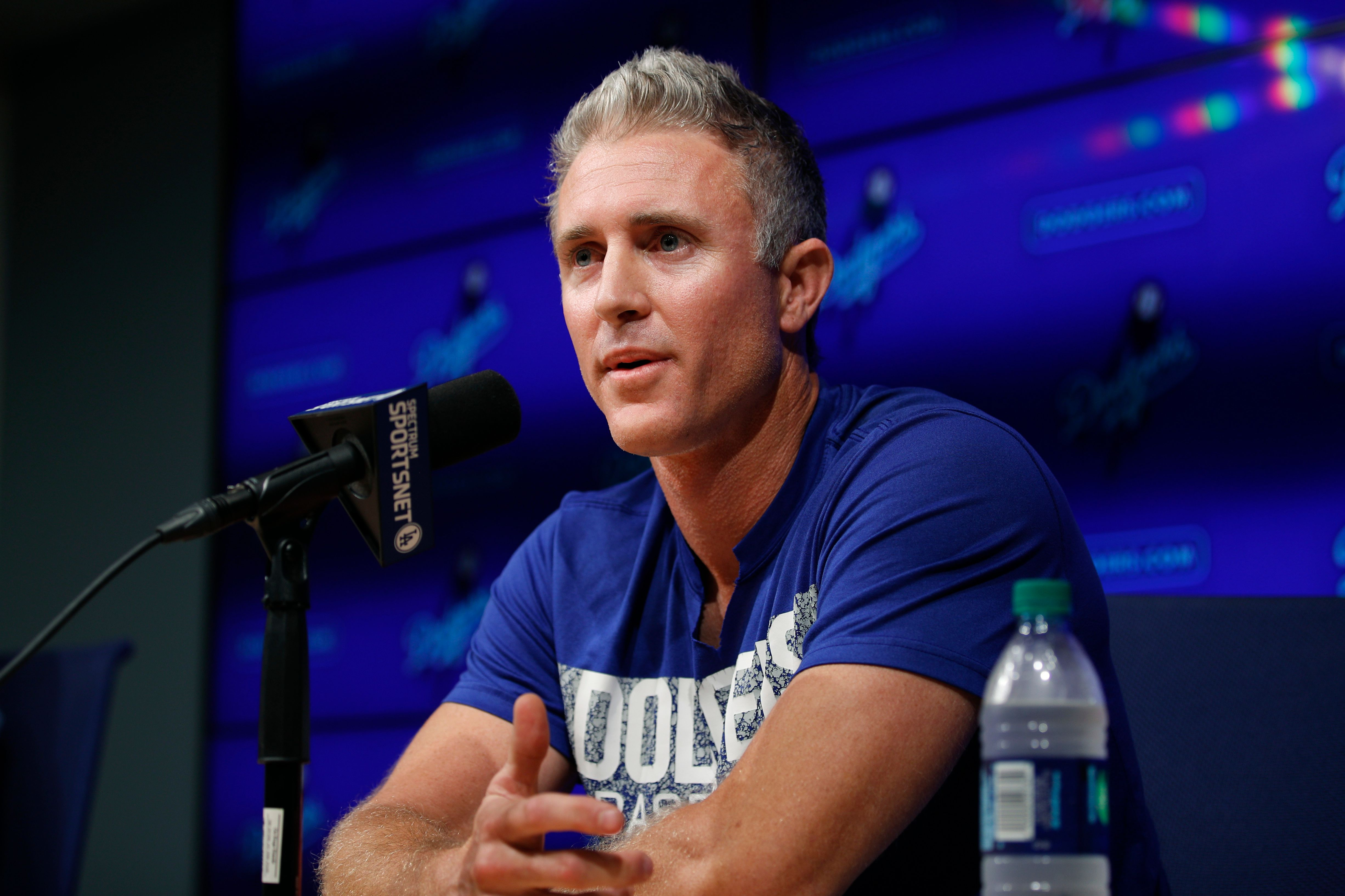 Dodgers sit in on Chase Utley's retirement presser