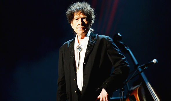 Bob Dylan SHUNNING Nobel Literature Prize? Committee gives up trying to contact star