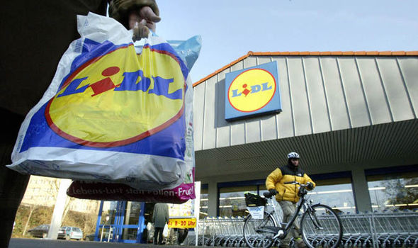 Lidl to STOP selling single-use plastic bags to be more 'environmentally friendly'