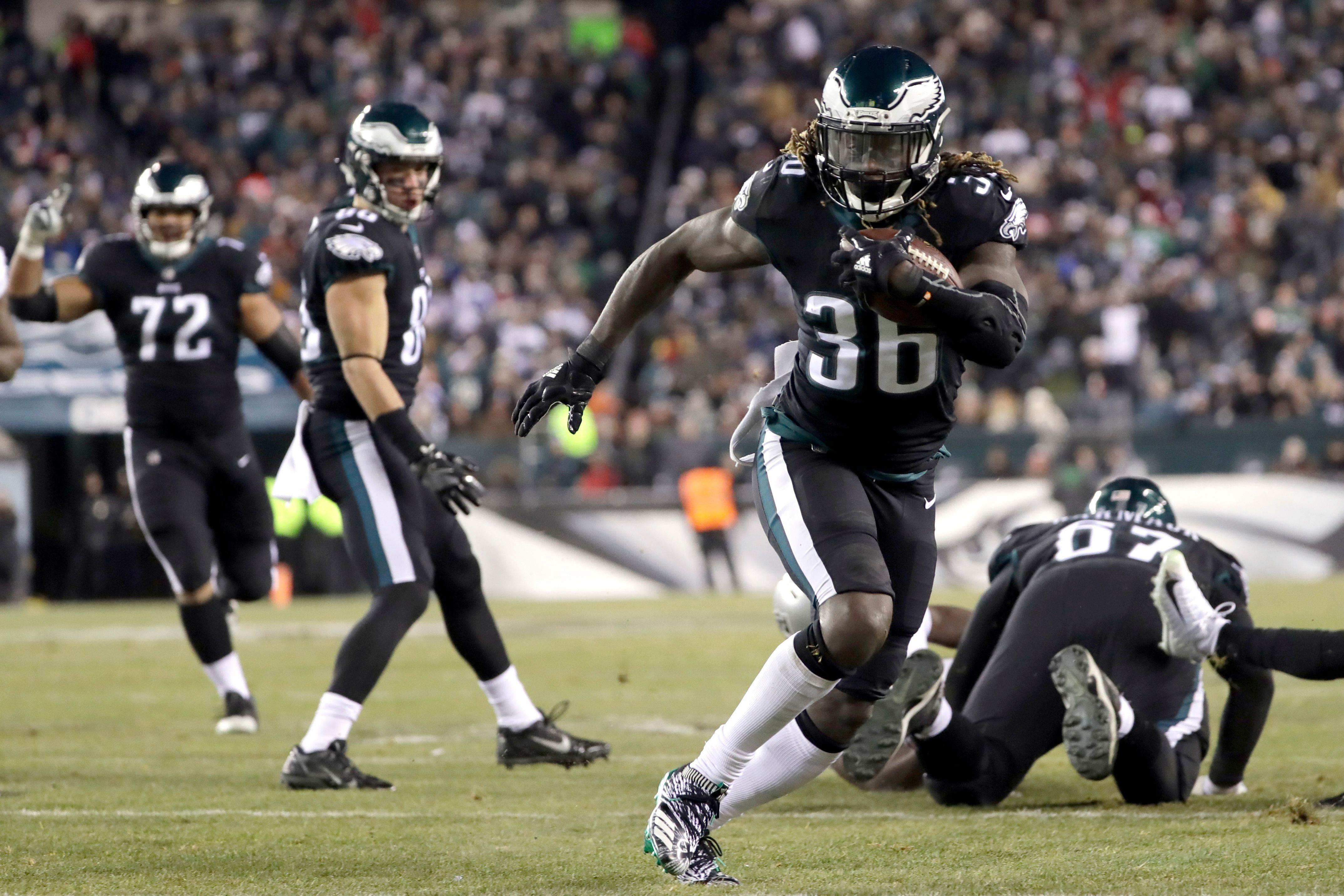 Ajayi ready to give Eagles a ride on Jay Train vs. Falcons