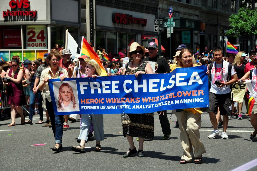 United States: Lawyers kept in dark about reported Chelsea Manning suicide attempt