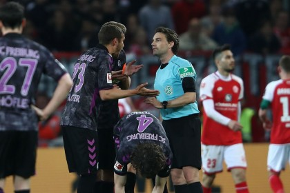 VAR 'madness' in Germany as penalty is awarded at half-time - how Twitter reacted