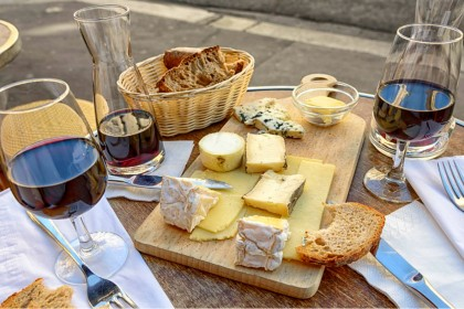 Study proves eating cheese makes wine taste better