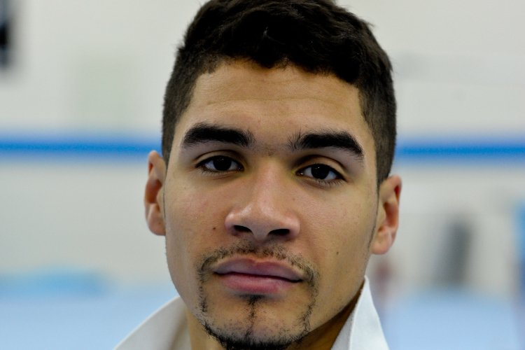 Louis Smith visits Mosque after 'ignorant' Islam video