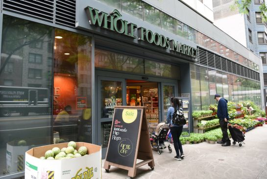 Canadian grocery stocks feel heat in wake of Amazon deal to buy Whole Foods