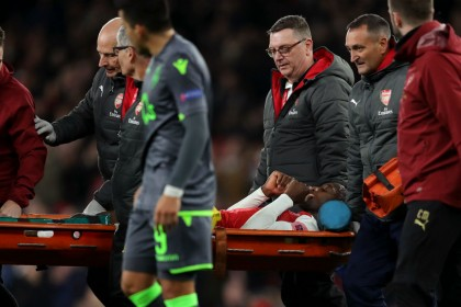 Danny Welbeck injury: Arsenal players rally behind striker