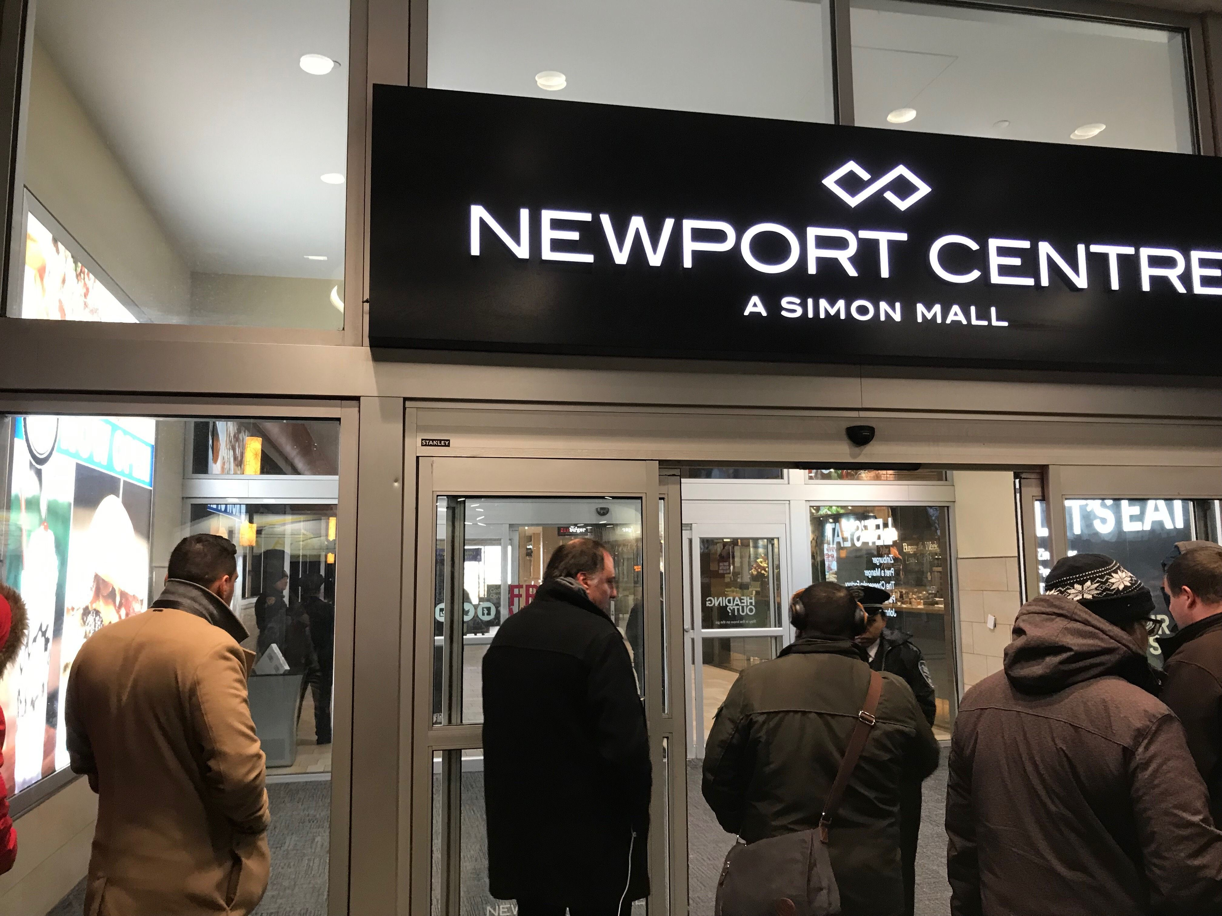 Reporter gives eyewitness account after shooting at New Jersey mall