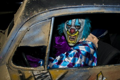 Creepy clown craze spreads to the UK