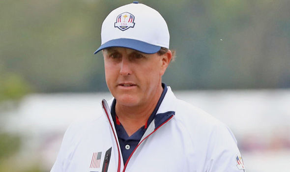 Team USA's Phil Mickelson apologises for remarks made about Hal Sutton