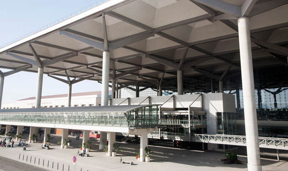 BREAKING: Murder probe as British man found tied to Malaga airport bench with no trousers