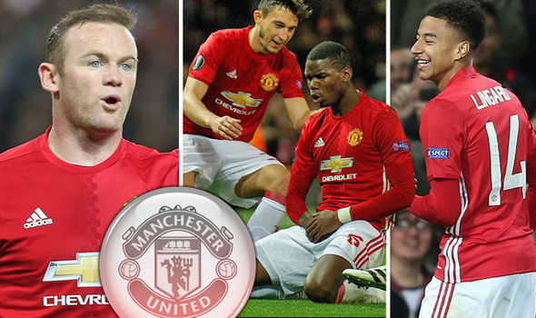 Michael Owen slams Wayne Rooney for passing up chance to close in on Man United record