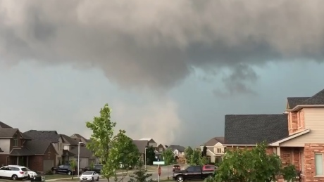 'Get to the basement,' video shows dramatic storm forming in Ilderton, Ont. before tornado warning issued