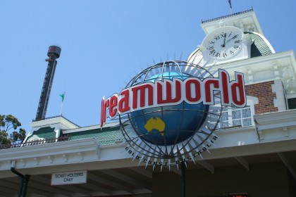 Four killed on Dreamworld theme park ride in Australia