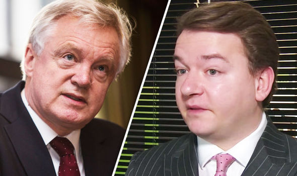 'Tories CANNOT be trusted!' Furious Tim Aker slams 'REMAINIACS' over single market access