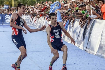 Brothers in arms: Jonny Brownlee falls at final hurdle in Mexico