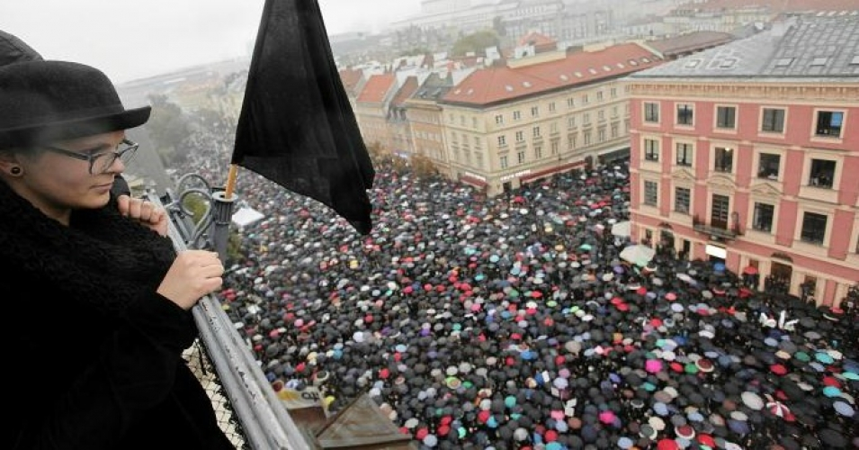 Polish women strike against abortion ban