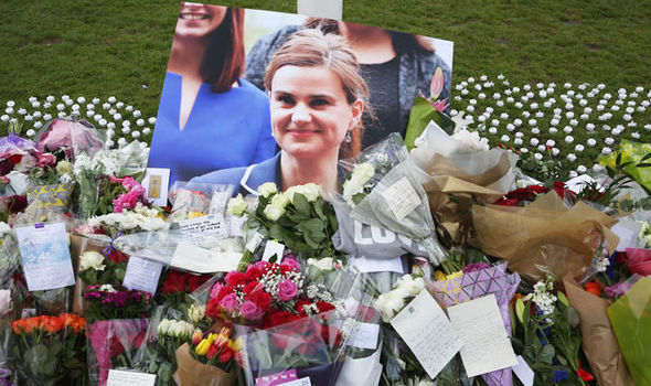 Jo Cox suspect said 'it's me' as police wrestled him to ground but defence disputes claim