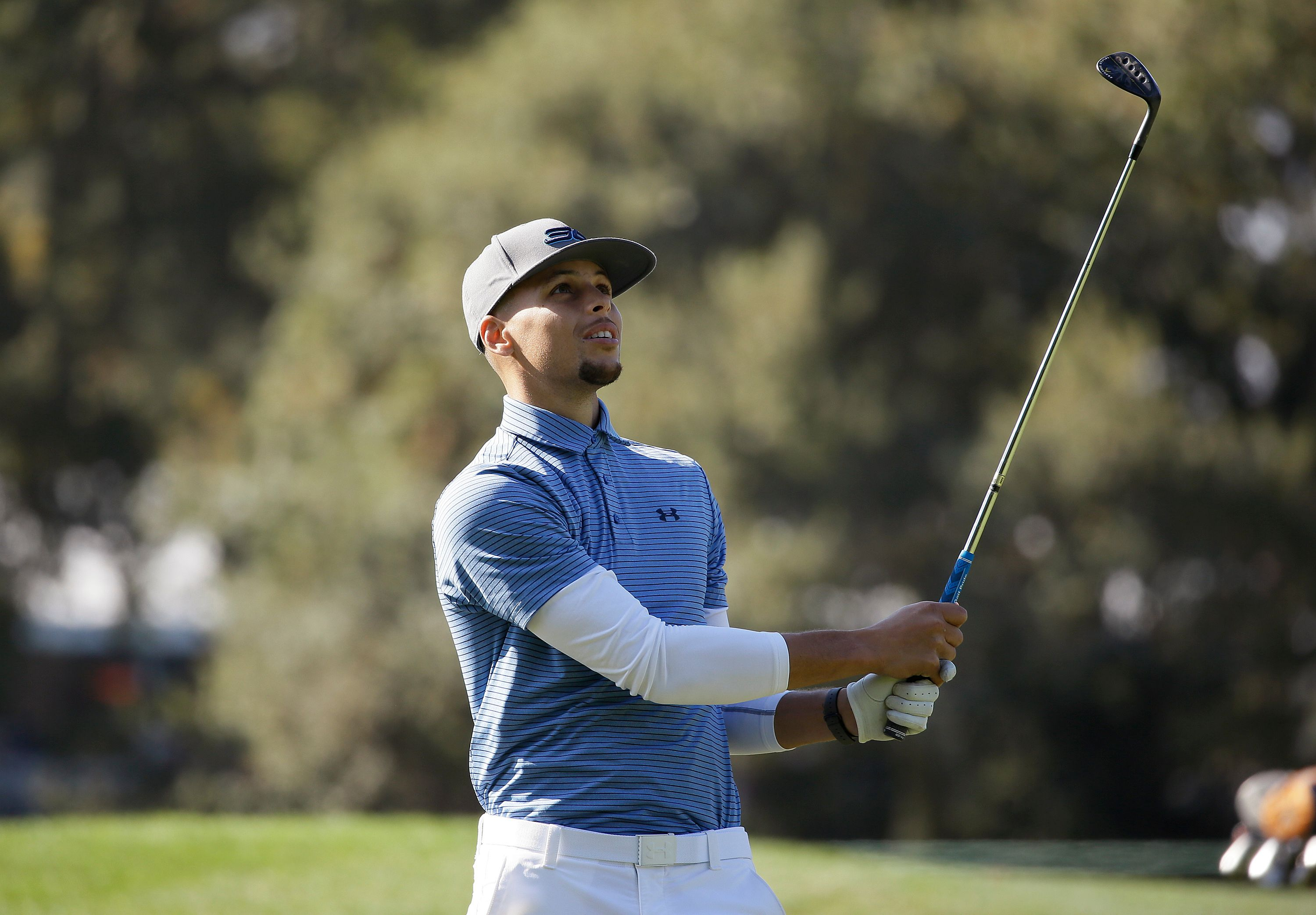 Steph Curry shoots 71 in Web.com Tour event