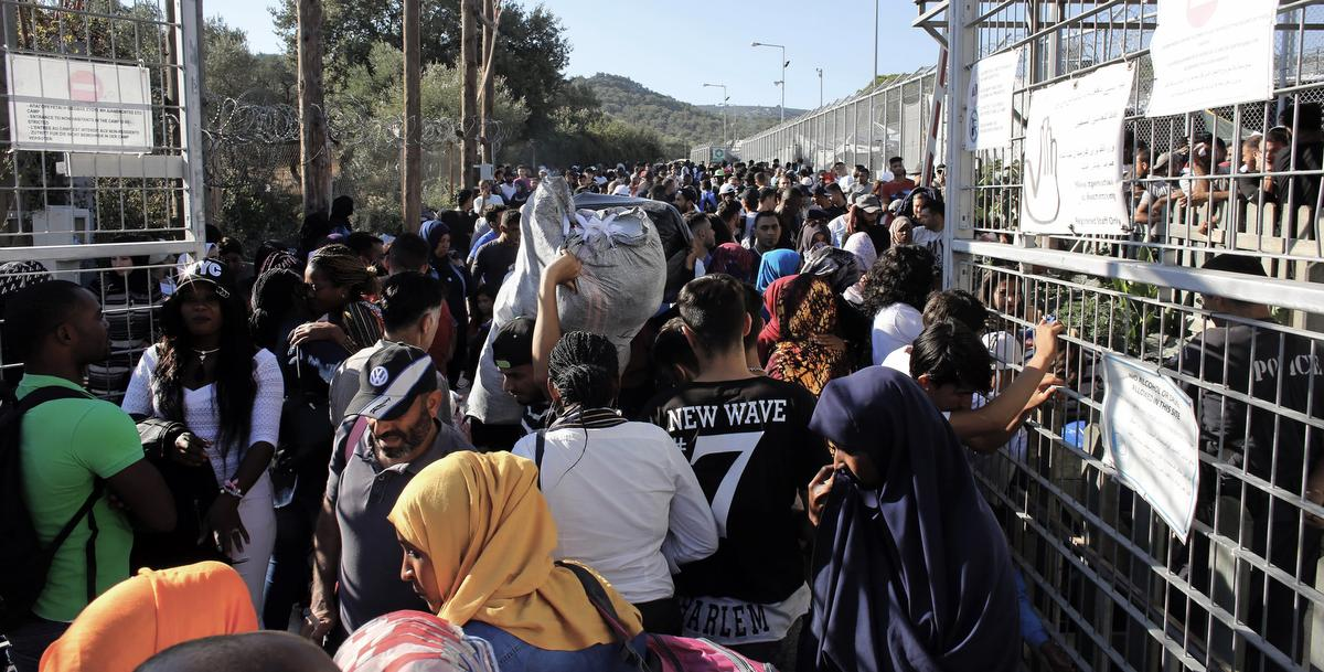 Use frozen funds from dictators to help refugee crisis, suggests Axworthy