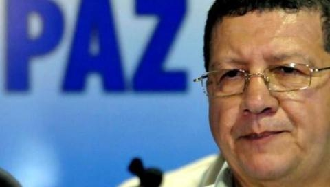 Colombia: FARC militants back peace, but warn against paramilitaries